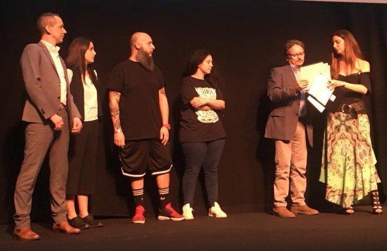 Il Vincitore Roscioli con Maria Elena Roscioli sul podio con Mazzo e Romeo Chef & Baker