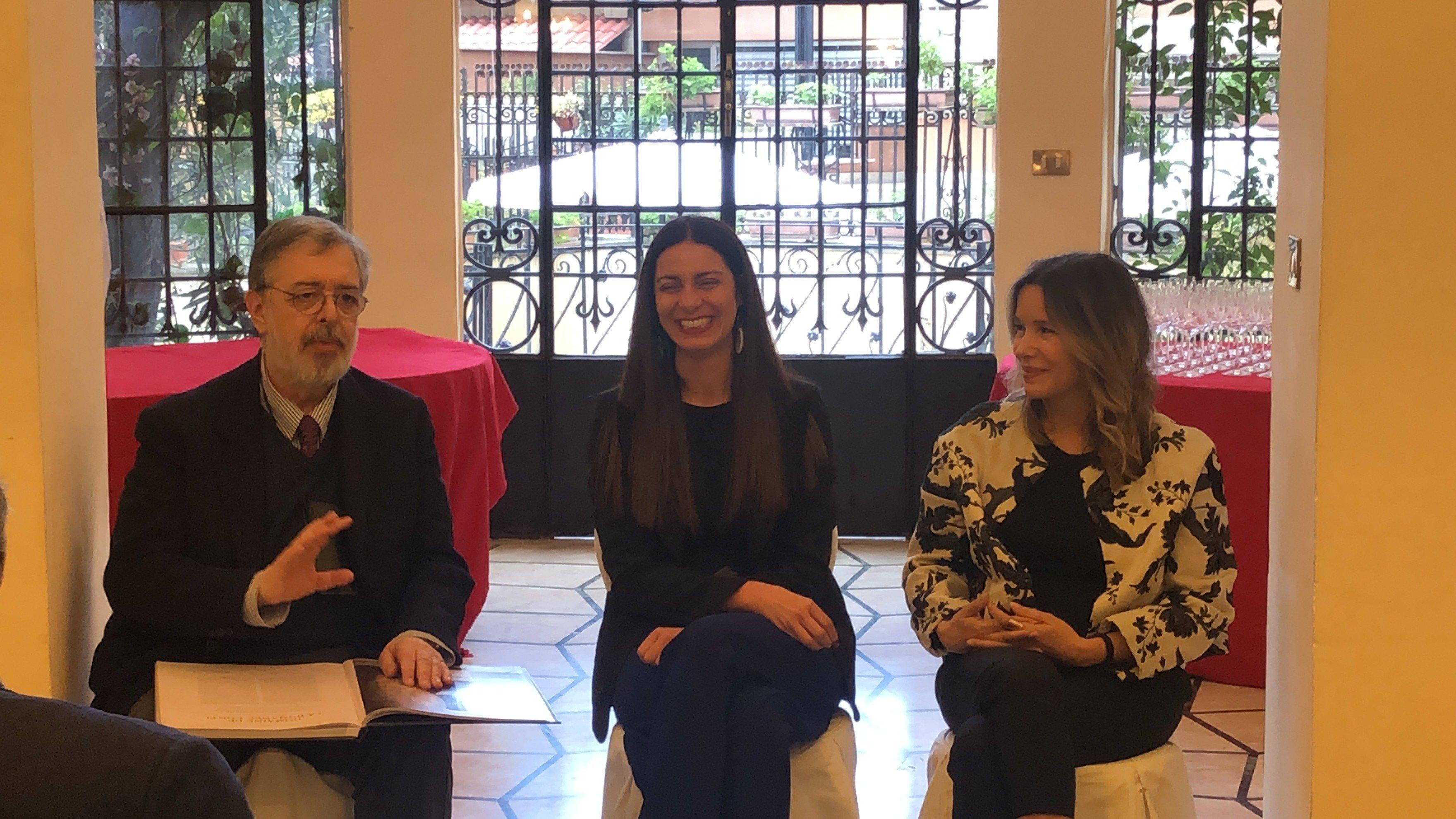 """Presentazione de """"La Cantina Perfetta"""" con Daniele Cernilli, Chiara Giannotti, Simona Sparaco"""