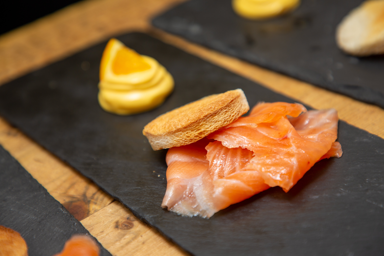 'Salmone marinato con maionese all'arancia'