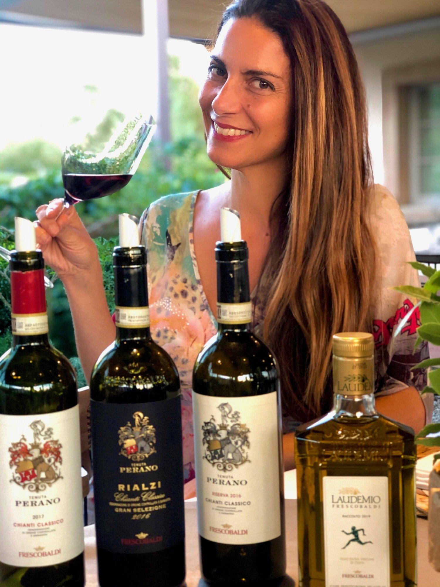 Chiara Giannotti con i vini in Degustazione